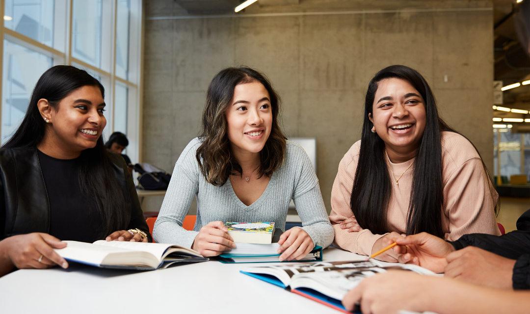 Cinq jeunes racontent ce qui les a aidés à réussir au secondaire