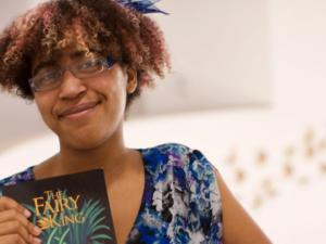 Devenir écrivaine : parcours d'Emma vers la publication du livre The Fairy King
